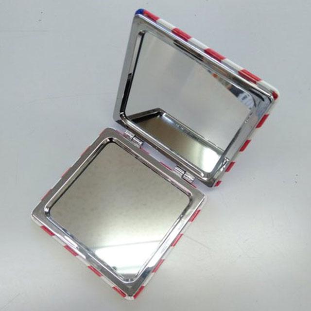 アーモンドコンパクトミラー